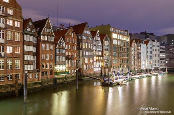 Bürgerhäuser der Deichstraße - Ansicht von der Hohen Brücke