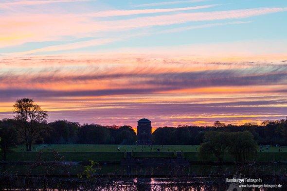 Sonnenuntergang über dem Hamburger Planetarium