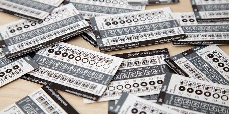 Cheatcards auf dem Tisch