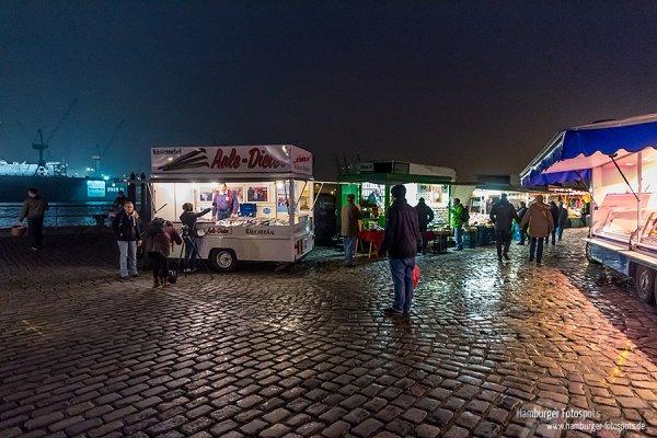 Aale Dieter auf dem Hamburger Fischmarkt