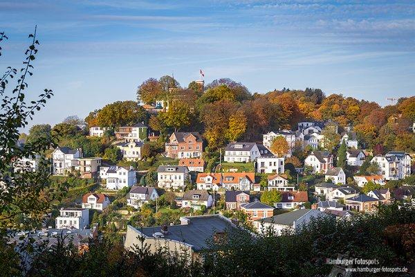 Vom Steilen Weg im Treppenviertel in Blankenese hat man den perfekten Blick auf den Süllberg (2014)